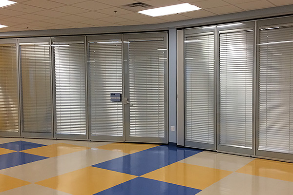 moderco movable glass walls are constructed with an industry first we use a fastened system to attach the glass to the glass hardware